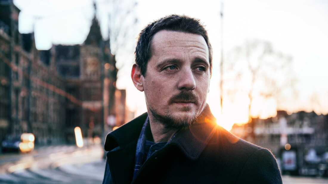 Sturgill Simpson Releases A New Song For Zombie Comedy 'The Dead Don't Die'