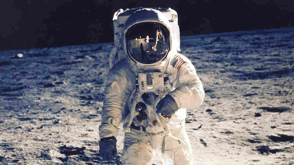 Fresh Air Weekend: The Ordinary People Behind The Moon Landing; Damian Lewis