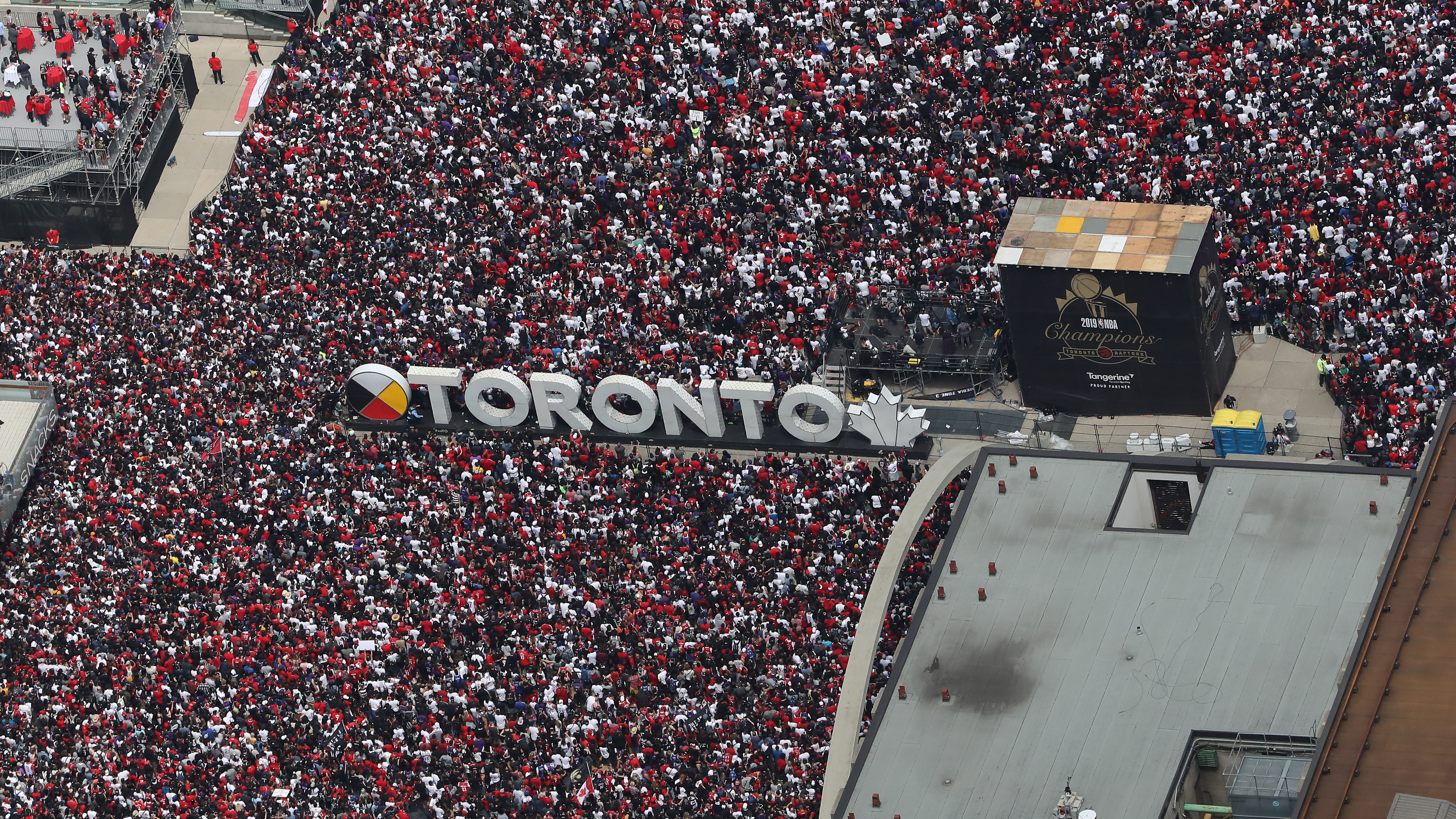 4 Wounded In Shooting At Toronto Raptors Victory Celebration