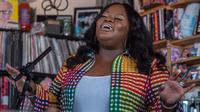 Tasha Cobbs Leonard plays a Tiny Desk Concert on June 4, 2019 (Shuran Huang/NPR).