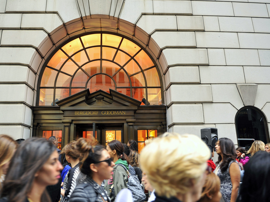 Customers line up to enter the Bergdorf Goodman store in New York City in this 2010 file photo. Advice columnist E. Jean Carroll claims President Trump sexually assaulted her in a dressing room at the Manhattan department store in the '90s. (Stephen Chernin/AP)