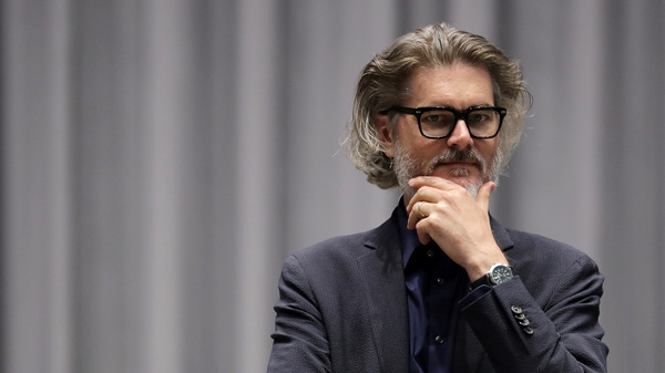 Author Mo Willems supervises a rehearsal of the musical adaptation of Don