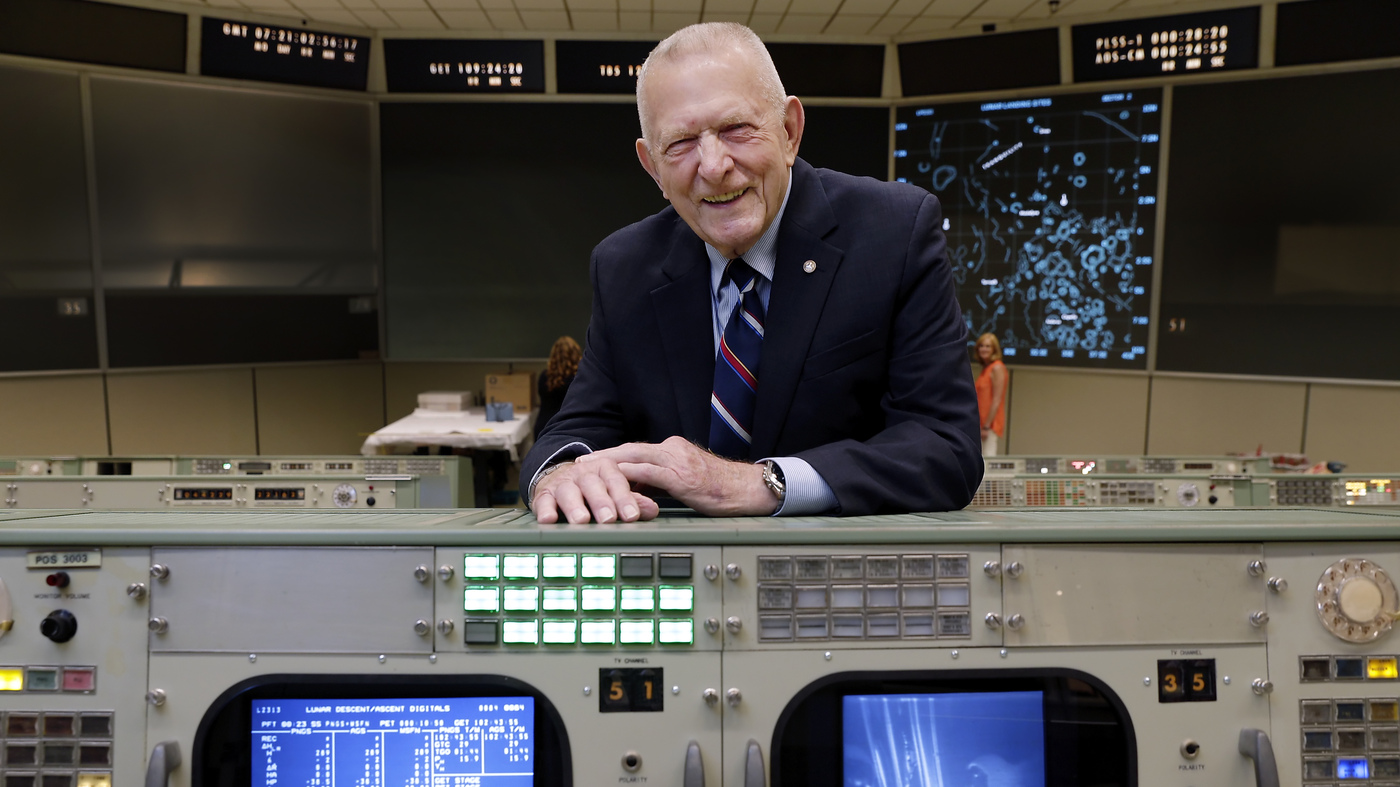Former NASA Flight Director Gene Kranz Restores Mission Control in Houston – NPR