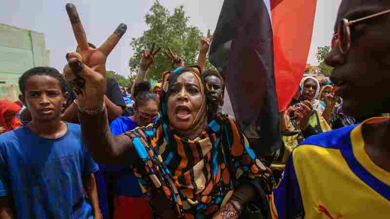 Pro-Democracy Protests Fill Streets In Sudan, Calling For Civilian Control