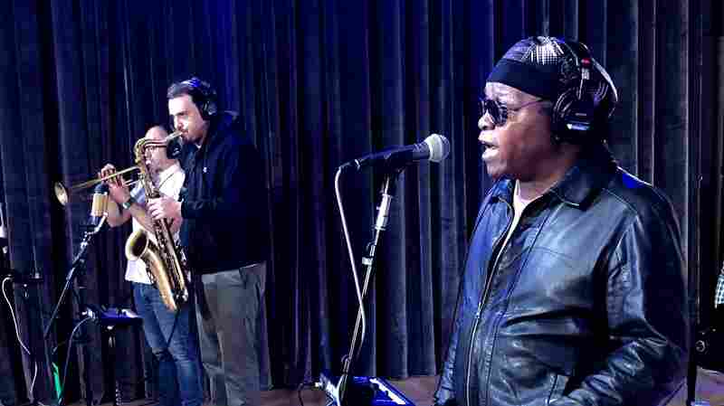 Watch Lee Fields & The Expressions Perform 'It Rains Love' Live In Studio