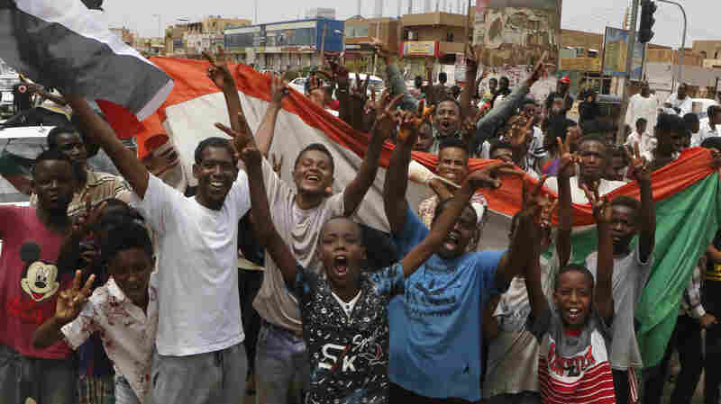 Sudanese Rejoice As Opposition, Military Agree To Power-Sharing Deal