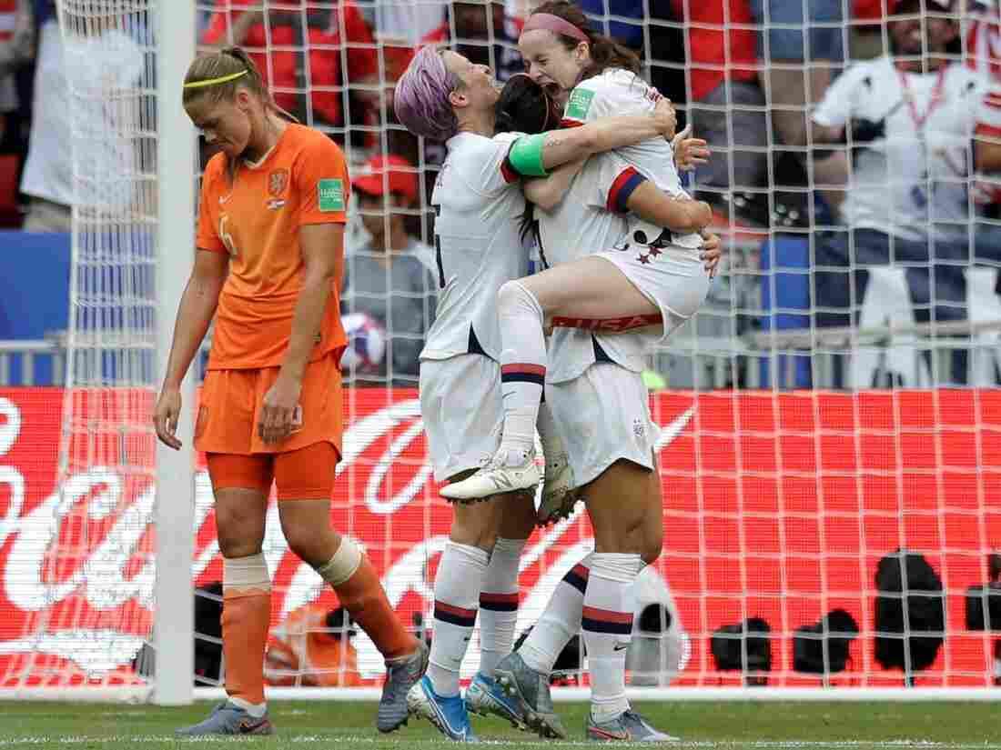 wins womens team title - HD1512×1134