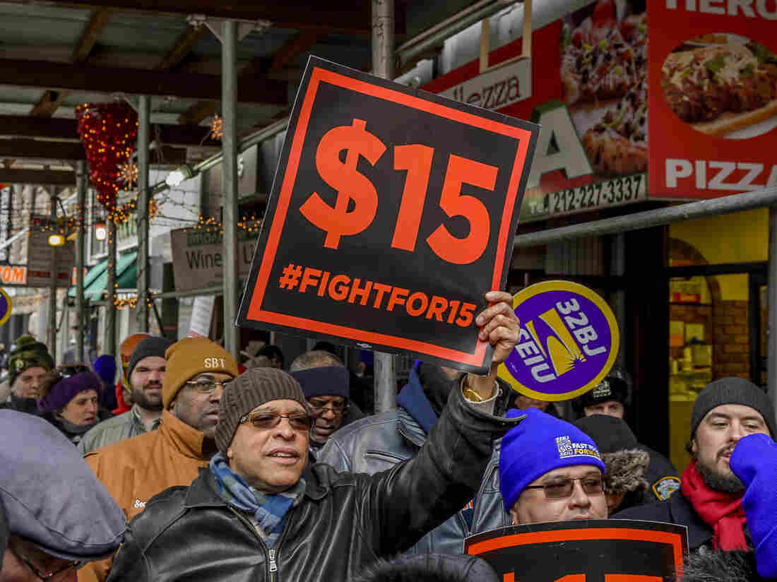 Hiking minimum wage to $15 would boost millions, report says
