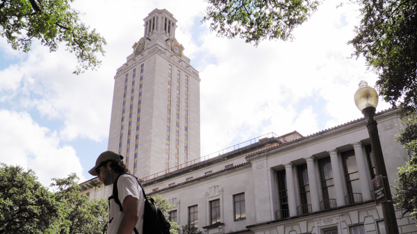 The University of Texas-Austin announced Tuesday it is offering full tuition scholarships to in-state undergraduates whose families make $65,000 or less a year.