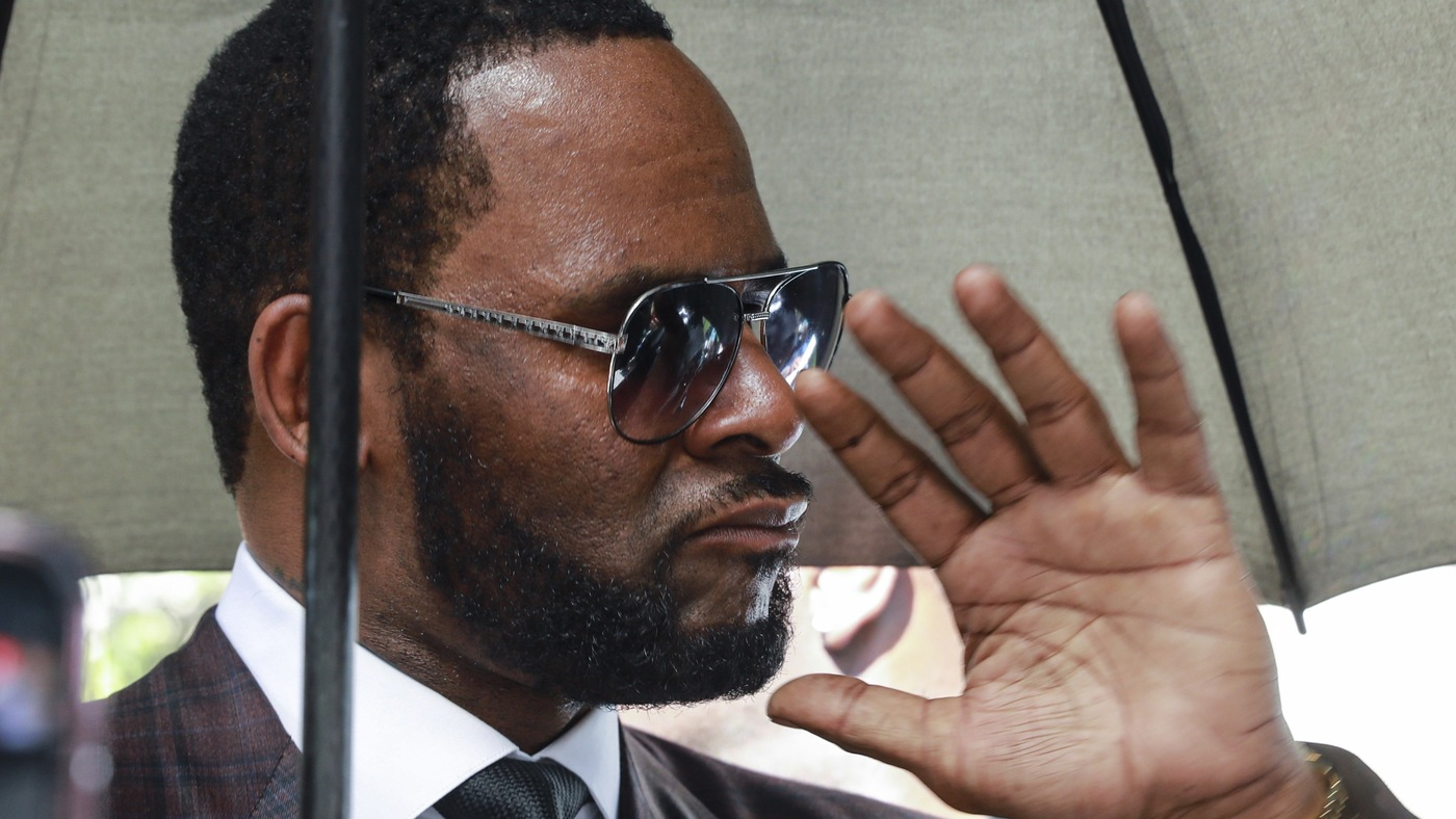 R. Kelly Arrested On Federal Charges, Including Child Pornography And Kidnapping