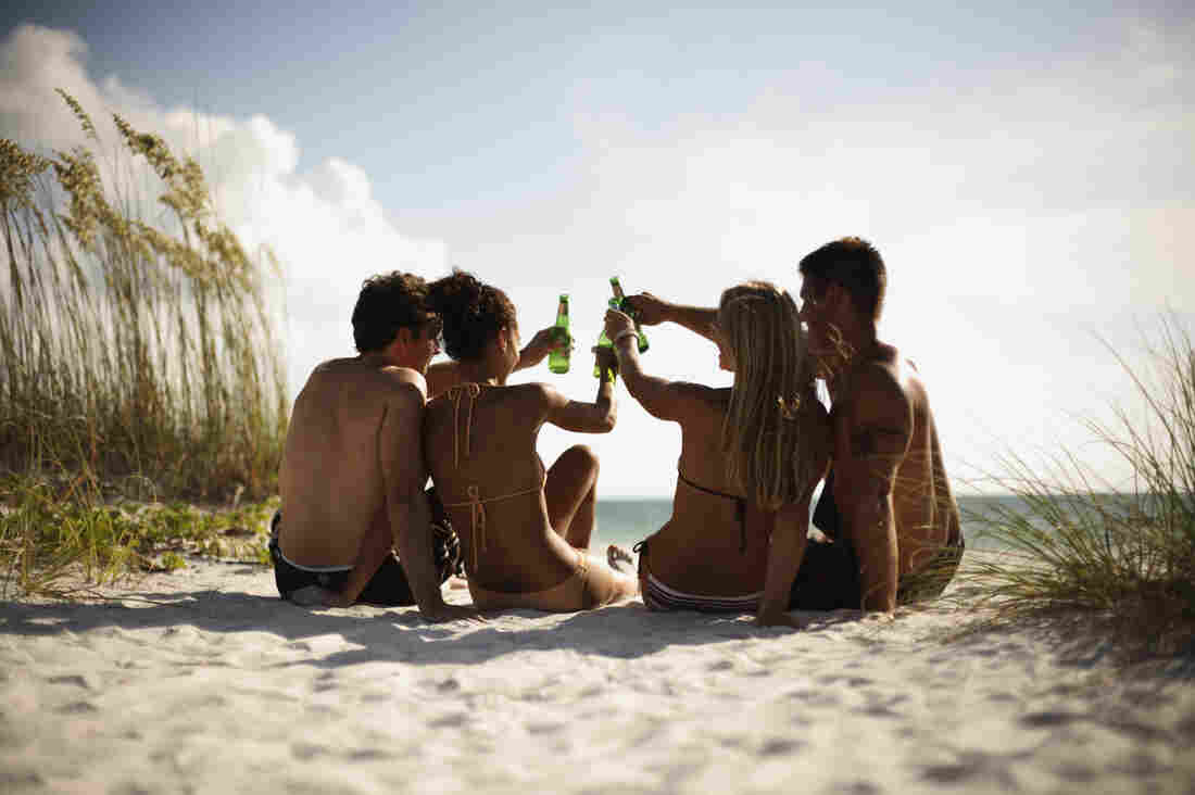 Drinking alcohol is linked to an increased risk of skin cancer. Part of the risk may be explained by the direct effect that alcohol has on antioxidant levels in the skin, which can hasten a sunburn.