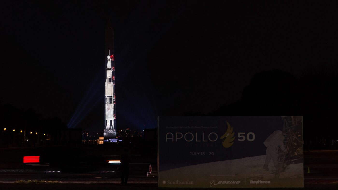 apollo spaceship on washington monument - photo #12