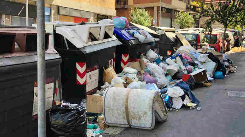 In Rome, Uncollected Trash Festers In Scorching Heat