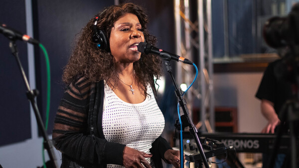 Gloria Gaynor in side the World Cafe Performance Studio