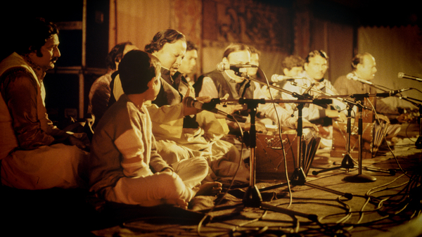 Nusrat Fateh Ali Khan and his Party, performing live at the WOMAD festival in 1985.
