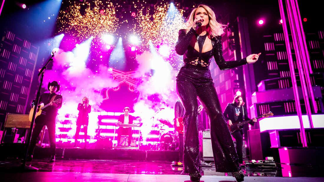 Miranda Lambert Shares Two (Really Fun) New Songs