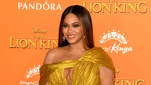 Beyoncé attends the European premiere of Disney