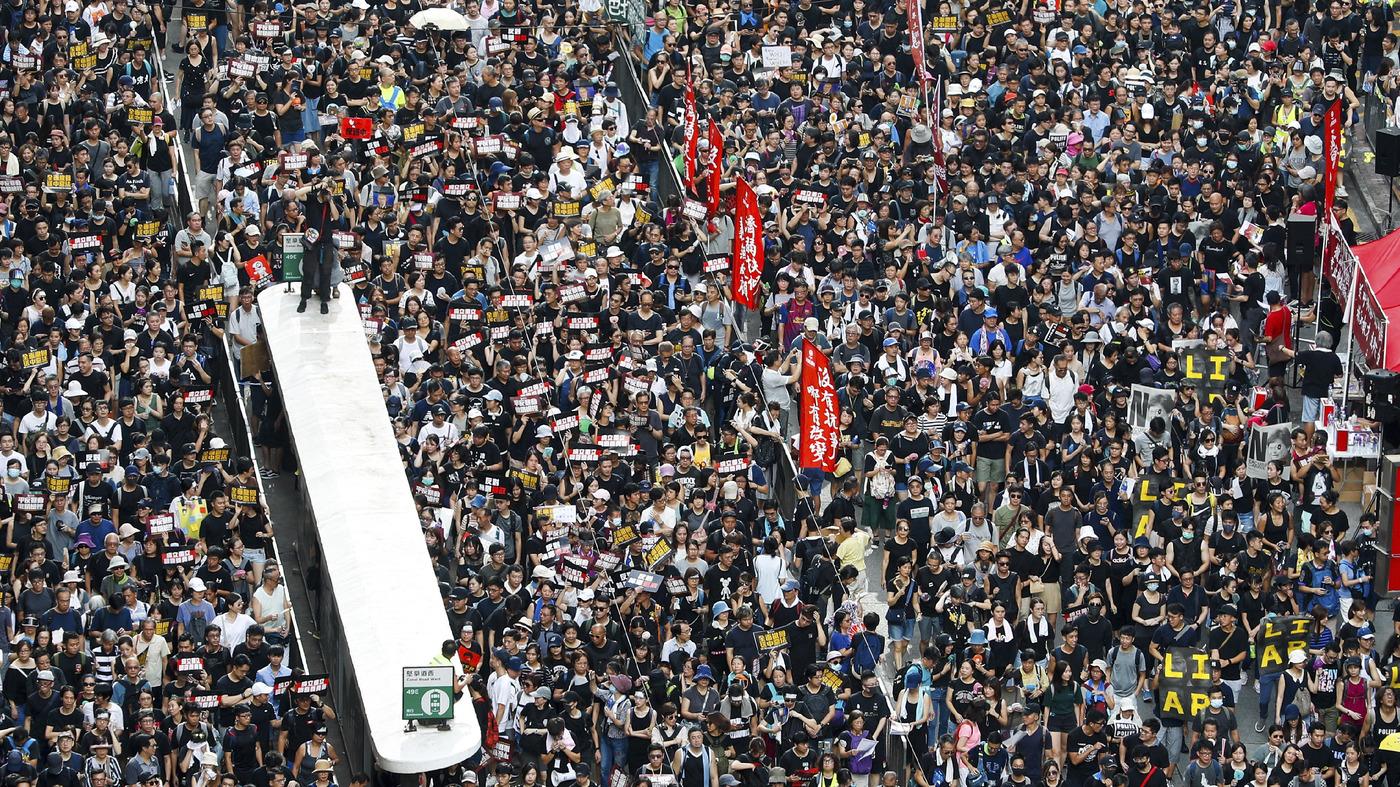 Hong Kong Protests: Demonstrators Demand Inquiry Into Police Tactics Amid Standoff