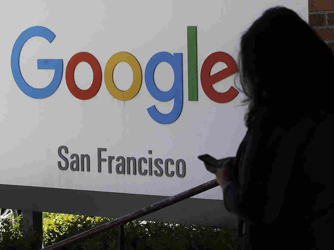 Westlake Legal Group ap_19169762569443-a5febf8f10e9932439ff91c85d9597fe26b4baa3-s1100-c15 DOJ Starts Review Of Whether Major Tech Companies Are Too Powerful