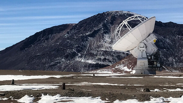 One of the 54 steerable dishes that make up much of the Atacama Large Millimeter Array in Chile