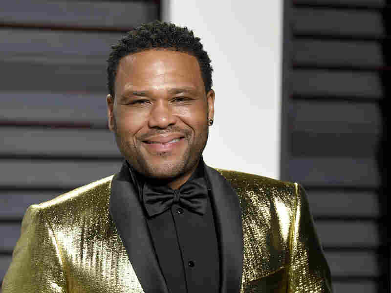 Anthony Anderson arrives at the Vanity Fair Oscar Party on Monday, Feb. 27, 2017, in Beverly Hills, Calif.