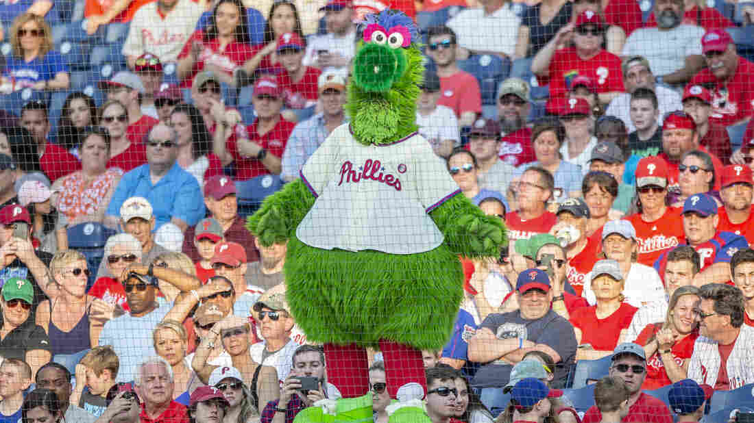 Phillies file lawsuit in attempt to keep rights to Phanatic