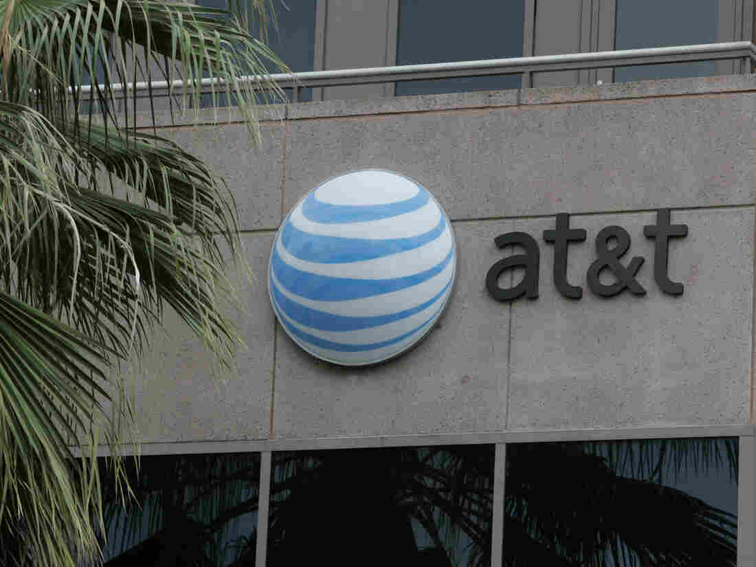 AT&T employees took bribes to plant malware on the company's network