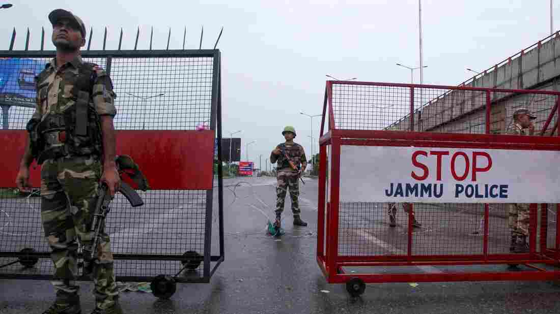 Is Pakistan able to counter India's move in Kashmir?