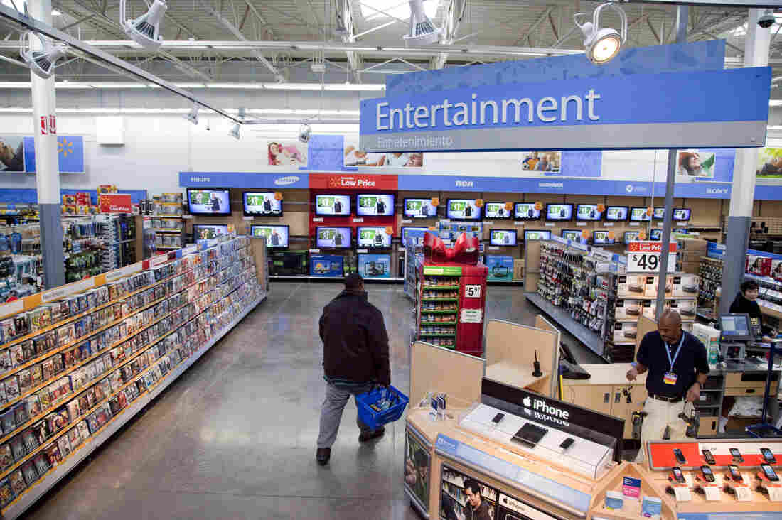Walmart removes violent video game display after 2 shootings