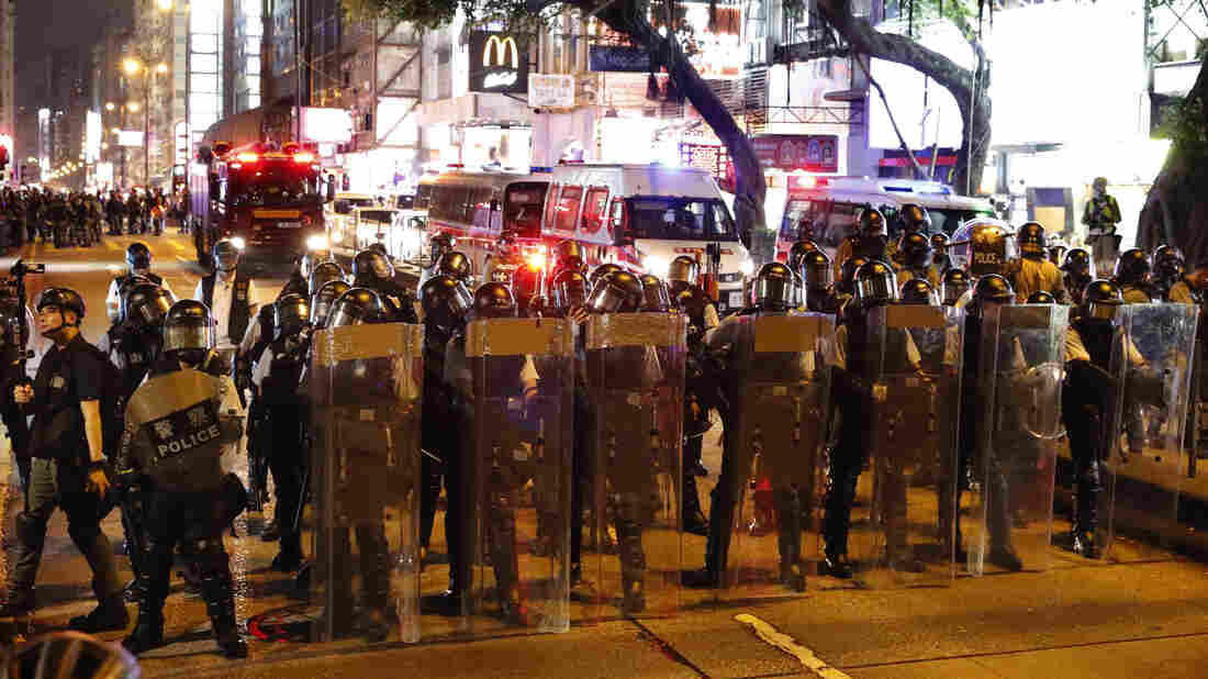 Westlake Legal Group ap_19222452156374_wide-e338504568e9e59c2ee12fccedf309013716ff98-s1100-c15 Hong Kong Police Fire Tear Gas As Demonstrations Continue