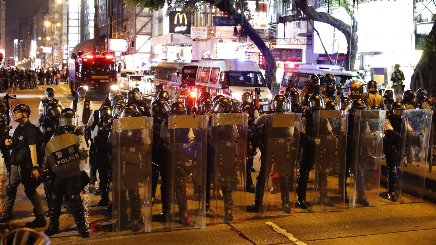 Hong Kong Police Fire Tear Gas As Demonstrations Continue thumbnail