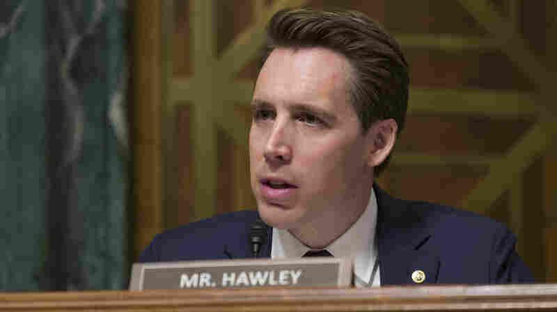 Senator Pushes Bill To Curb 'Exploitative And Addictive' Social Media Practices