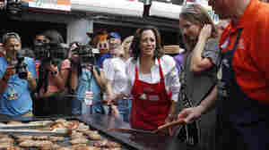 Kamala Harris' Iowa Bus Tour Has Clear Intended Message: She's A Front-Runner