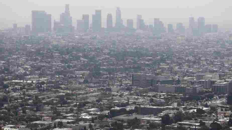 Air Pollution May Be As Harmful To Your Lungs As Smoking Cigarettes, Study Finds
