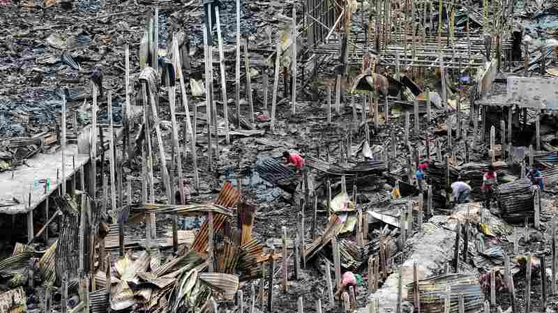 Thousands Left Homeless In Bangladeshi Capital After Fire Burns Hundreds Of Shanties