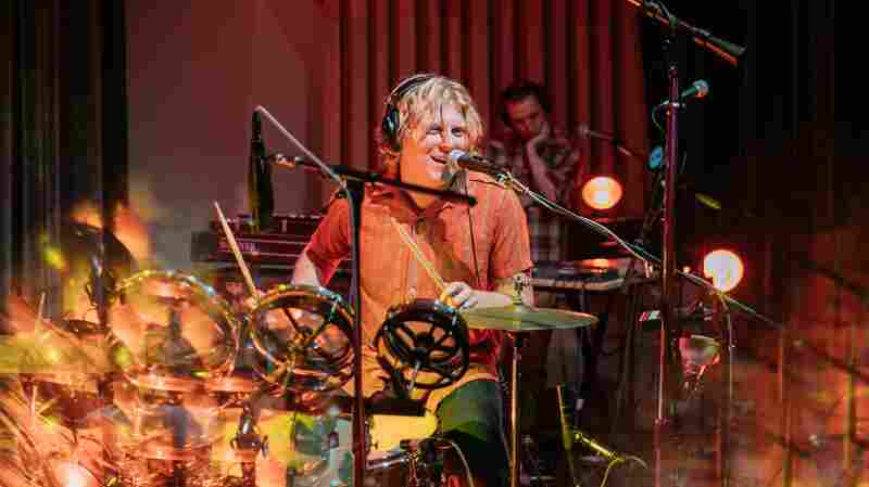 Watch Ty Segall Perform 'Ice Plant' Live In The Studio