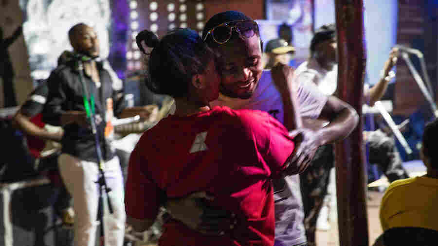In Congo, Even Ebola Can't Stop Lovers From Dancing