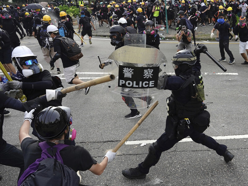 Statist Violence Returns To Hong Kong As poLICE Fire Tear Gas And Protesters Fight Back Ap_19236343211464-6b3664336fb03839a3054235ebbbc0e815b67635-s800-c85