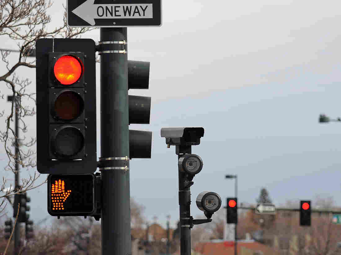 Westlake Legal Group gettyimages-161211713-c5c183f1fa797bf3f127fddf7af891c0f1501a52-s1100-c15 Deaths From Red Light Running At A 10-Year High, AAA Study Finds