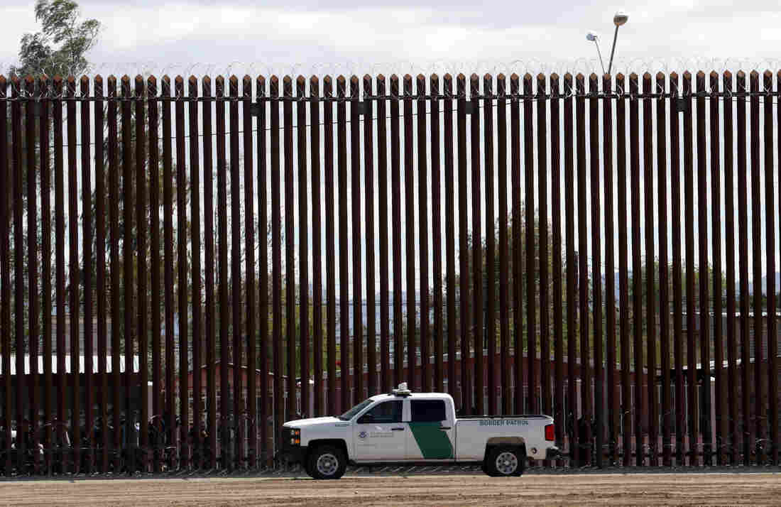 Pentagon frees $3.6 bn for wall construction on Mexican border