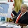 Trump exibe mapa alterado do caminho do furacão Dorian para incluir o Alabama