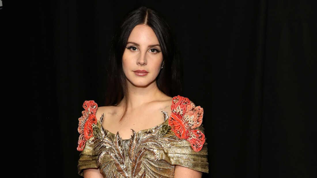 Lana Del Rey Lives In America's Messy Subconscious