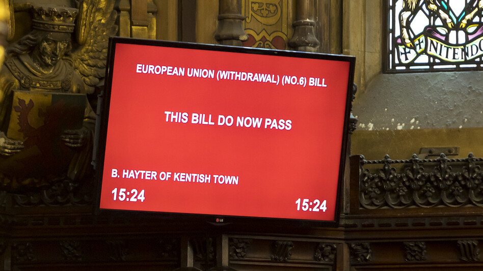 A monitor in the House of Lords shows its approval of a bill blocking a no-deal Brexit Friday. (Roger Harris/House of Lords)
