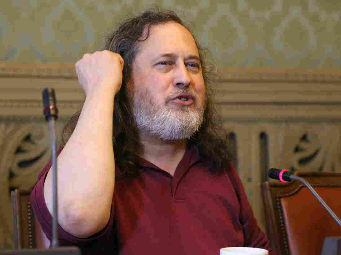 Computer scientist Richard Stallman resigns from MIT after defending Jeffrey Epstein