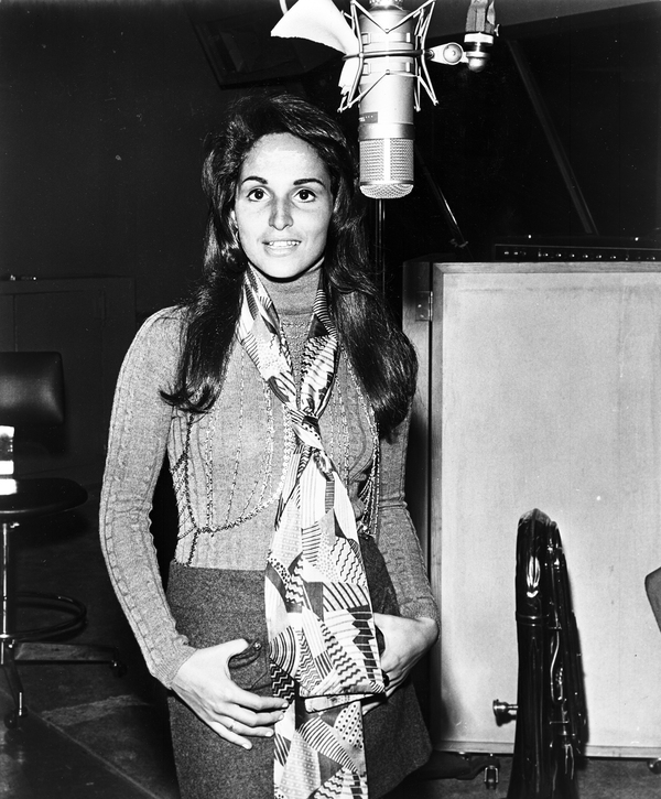 """Singer-songwriter Toni Wine, pictured here in 1972, sang the roles of Betty and Veronica on """"Sugar, Sugar."""""""