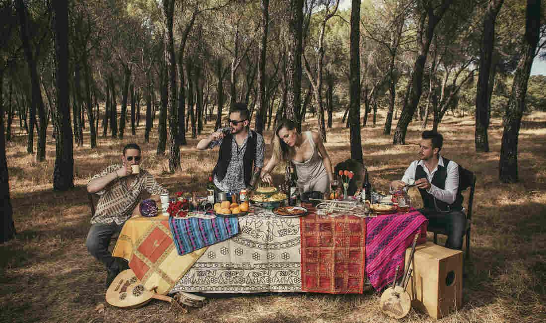 Alt.Latino Playlist: Bronx Urbano, Spanish Swing And Brazilian Psych-Rock