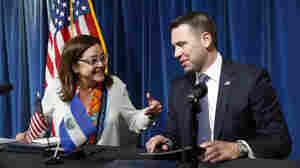 U.S., El Salvador Sign New Asylum Deal To Stem Tide Of Migrants