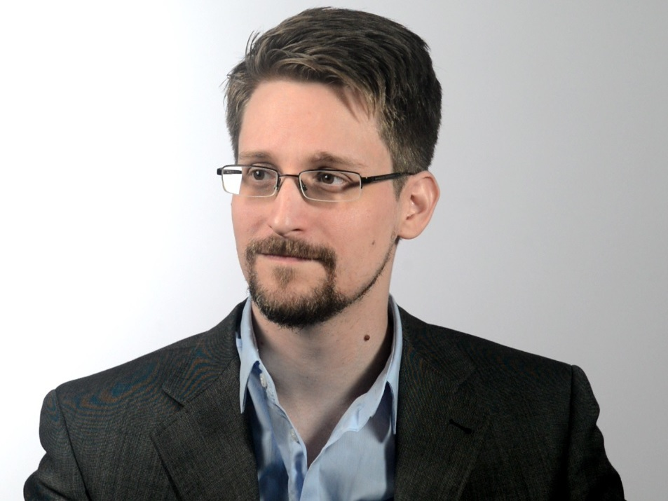 Fresh Air Weekend: Edward Snowden; Journalist Andrea Mitchell