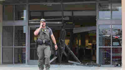 SUV Drives Through Chicago Mall, Prompts False Claims Of Active Shooter