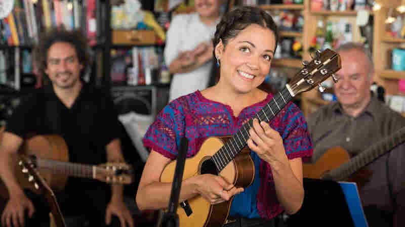 #ElTiny: The Best Latinx Tiny Desk Concerts, Vol. 1